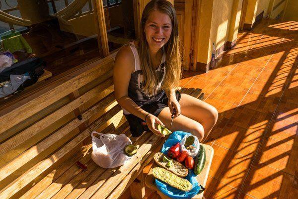 Camilla laver lækre madpakker ©Backpackerne
