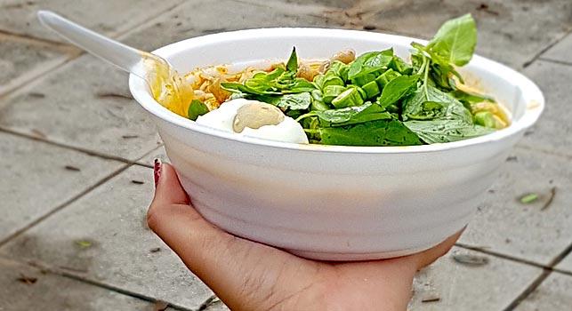 Streetfood er billigt i Thailand