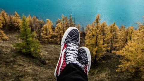 Hvilket fodtøj skal jeg tage med på rejsen? – Sandaler, sneakers eller vandrestøvler